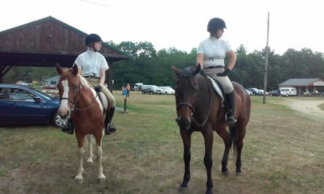 Students compete in local horse shows
